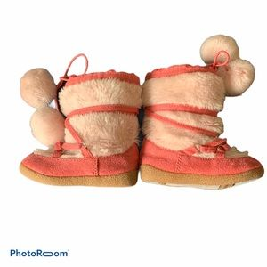 Other - 💰fuzzy boots💰 10/$10